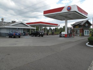 another picture of tacoma, washington service station used to secure bridge loan.